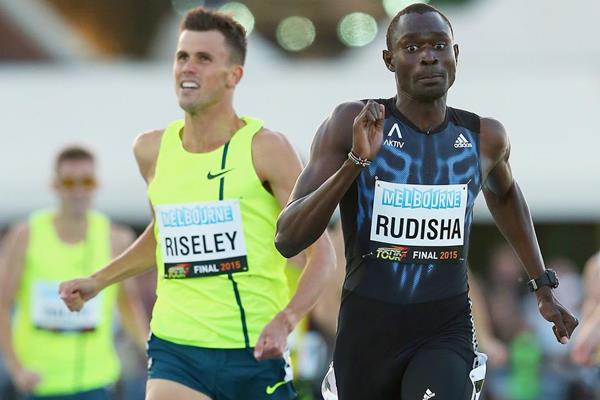 David Rudisha holds off Jeff Riseley to win the 800m in Melbourne (Getty Images)