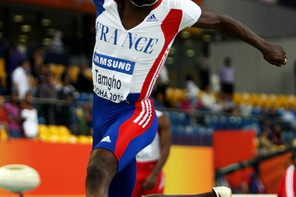 Teddy Tamgho en route to his 17.90m World indoor record in Doha 2010 (Getty Images)