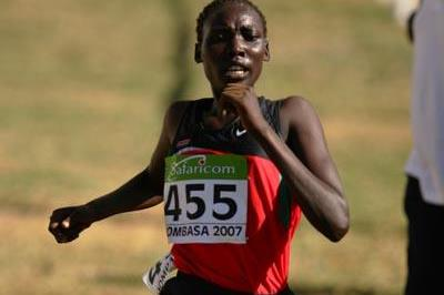 Linet Chepkwemoi Masai of Kenya on the way to win the Women's JUNIOR race (Getty Images)