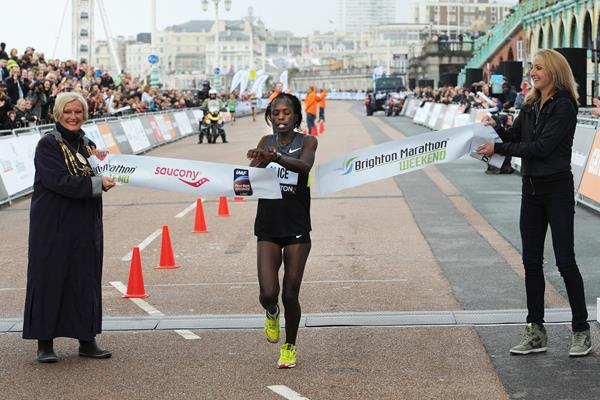 Alice Serser Milgo wins the 2014 Brighton Marathon (Mark Shearman)