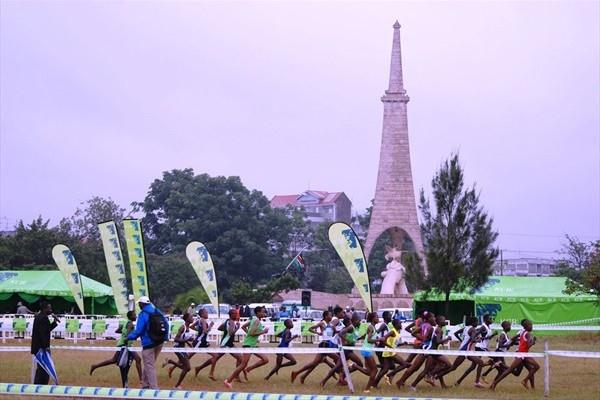 Action in the women's junior race at the Kenyan World XC trials in Nairobi (Ricky Simms)