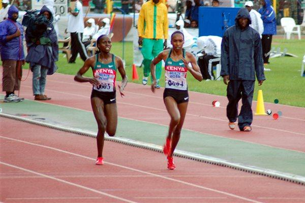 Kenyans Gladys Cherono (0604) and Veronica Nyaruai (0605), 1-2 in the 5000m in Porto-Novo (Yomi Omogbeja/AthleticsAfrica.Com)