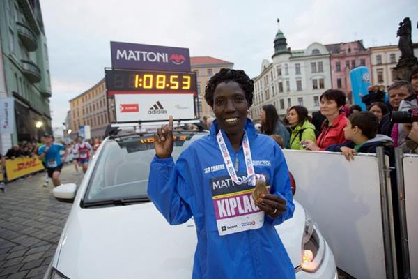 Edna Kiplagat after winning the Mattoni Half Marathon Olomouc in a course record (Organisers)
