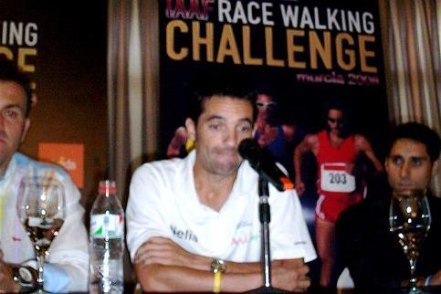 Pre-race press conference in Murcia, left to right: Franscisco Fernandez, Juan Manuel Molina (Veronique Lauer)