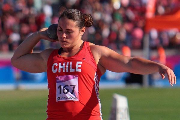 Shot put winner Natalia Duco in action at the 2014 ODESUR Games (Oscar Muñoz Badilla)