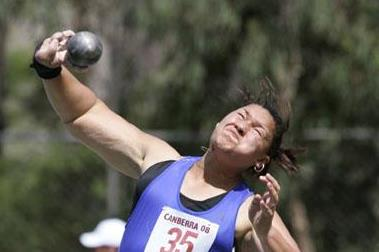 Valerie Vili reaches 19.72m in Canberra (Getty Images)