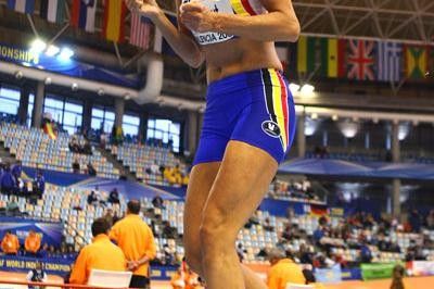 Tia Hellebaut sets a personal best in the shot (Getty Images)