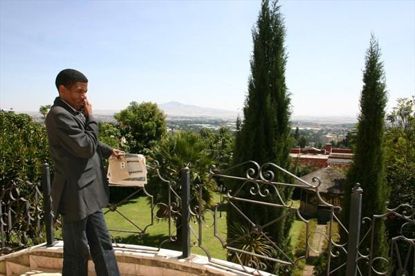 A brief break - Haile Gebrselassie at his home in Addis Ababa (VCM / Andreas Maier)