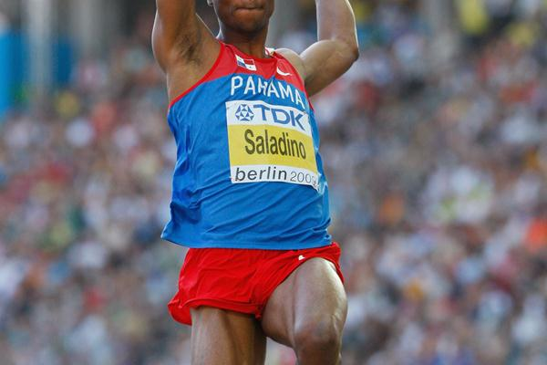 Defending Champion Irving Saladino of Panama achieves automatic qualification in the men's Long Jump qualification round (Getty Images)