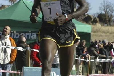 Joseph Ebuya coming home unchallenged in Soria (Concha Ortega)