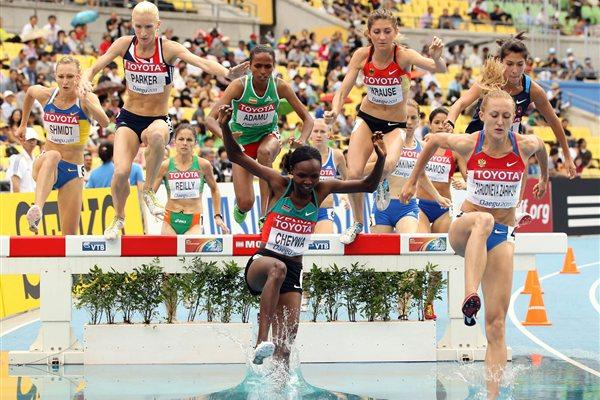 Milcah Chemos of Kenya in the heats of the women's 3000m Steeplechase (Getty Images)