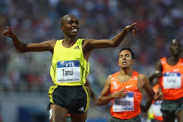 Kenyan junior William Biwott Tanui upstages the seniors in the men's 1500m (Getty Images)