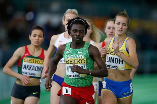Francine Niyonsaba in the 800m heats at the IAAF World Indoor Championships Portland 2016 (Getty Images)