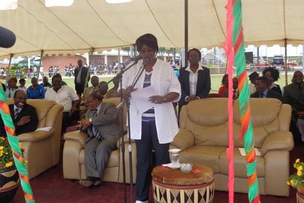 Dr Christine Kaseba Sata speaking at the launch of the the IAAF / Nestlé Kids' Athletics programme in Zambia  (ZAAA)