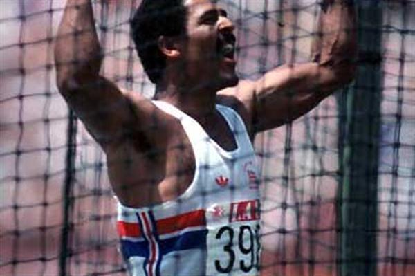 Daley Thompson (GBR) roars his approval from the Discus cage in Los Angeles (Getty Images)