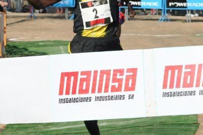 A familiar site in Spain this autumn - Joseph Ebuya wins again, this time in Alcobendas (Pedro Velarde)