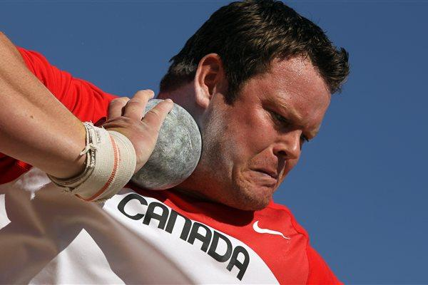 Dylan Armstrong of Canada shot putting in the 2011 Pan American Games (Getty Images )