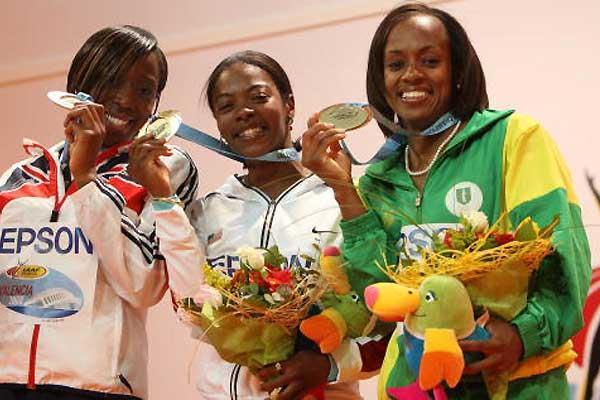 Tahesia Harrigan with her silver medal (IAAF.org)