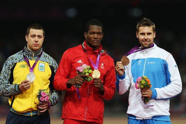 Silver medalist Oleksandr Pyatnytsya of Ukraine , gold medalist Keshorn Walcott of Trinidad and Tobago and bronze medalist Antti Ruuskanen of Finland pose on the podium during the medal ceremony for the Men's Javelin Throw  of the London 2012 Olympic Games on August 11, 2012  (Getty Images)