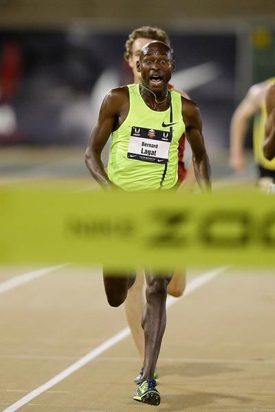 Bernard Lagat wins his seventh US 5000m title (Getty Images)