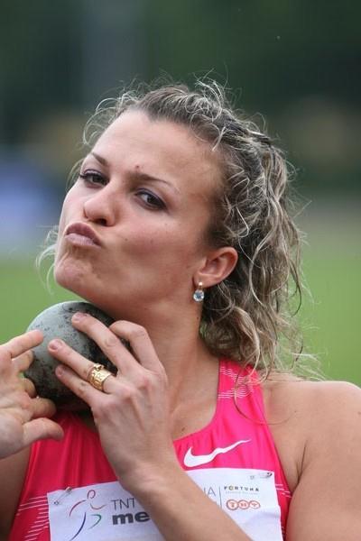Natalya Dobrynska in Kladno (Jan Kucharcik, www.atletika.cz)