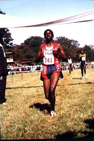 Rose Chepyego Chepchumba winning the senior women's 8km race in Nairobi (Okoth)