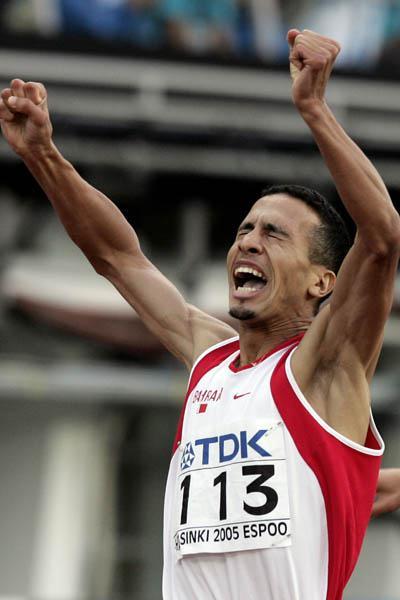 Rashid Ramzi of Bahrain celebrates winning the 800m final (Getty Images)