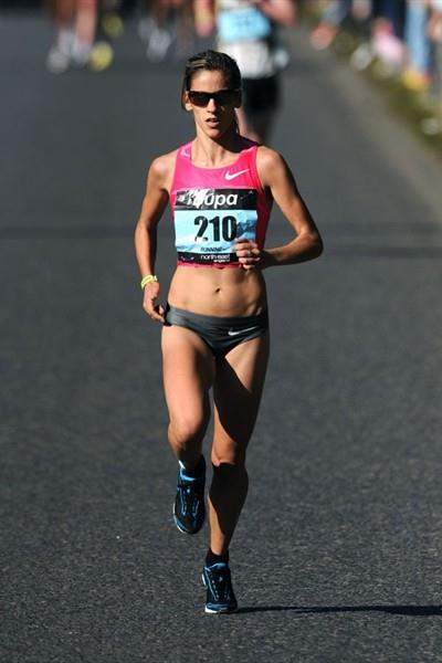 Jessica Augusto of Portugal on her way to victory at the 2009 Great North Run (Mark Shearman)