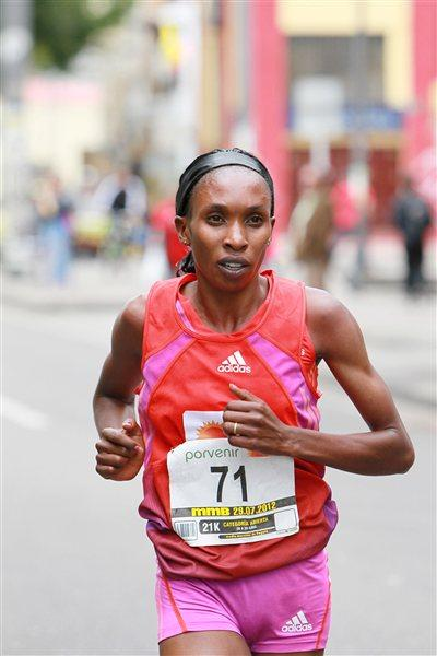 Gladys Cherono on her way to victory (Victah Sailer)