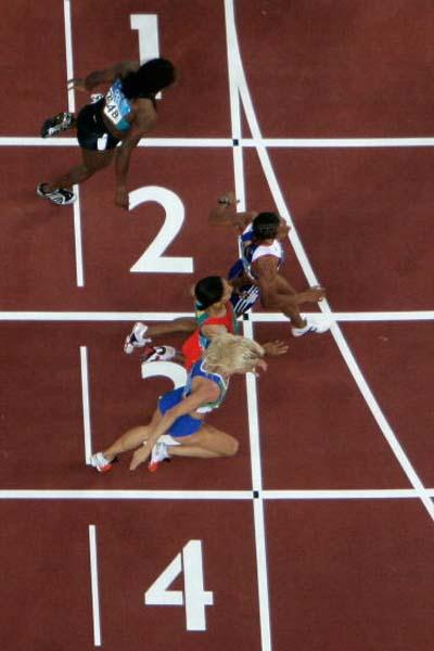 An aerial view of the women's 800m finsih (Getty Images)