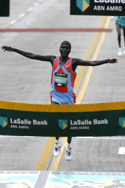 All smiles - Robert Cheruiyot winning the Chicago Marathon (Victah Sailer)