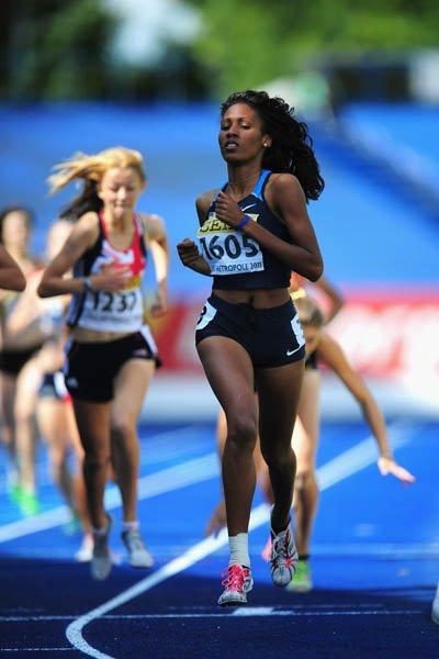 Ajee Wilson of the USA wins the Girls' 800m final in Lille (Getty Images)