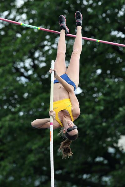 Fabiana Murer at the 2014 IAAF Diamond League meeting in New York (Victah Sailer)
