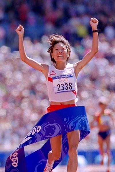 Naoko Takahashi winning Olympic Marathon gold in Sydney (Getty Images)