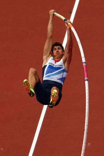 Steven Lewis of Great Britain competes in the Men's Pole Vault Qualifications on Day 12 of the London 2012 Olympic Games at Olympic Stadium on August 8, 2012  (Getty Images)