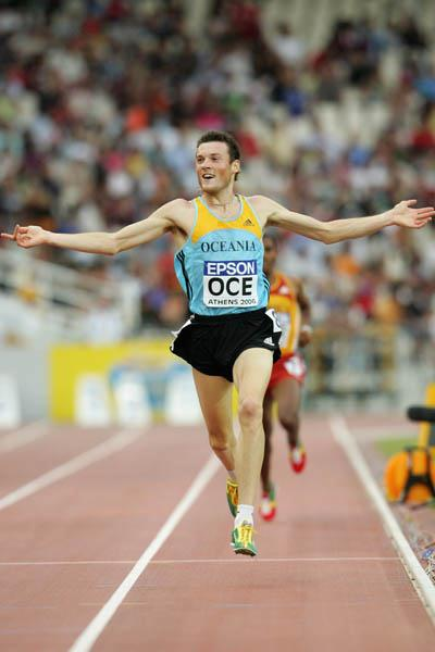 Craig Mottram successfully defends his 3000 title in Athens (Getty Images)