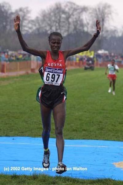 Edith Masai wins the World short course title in Dublin - 2002 (Getty Images)
