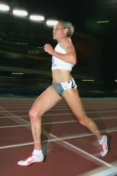Benita Johnson wins the 5000m at the Melbourne GP II Meeting (Getty Images)