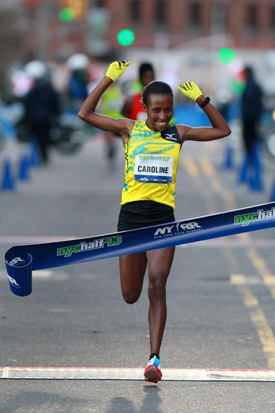 Caroline Rotich winning at the 2013 NYC Half Marathon (PhotoRun-NYRR)