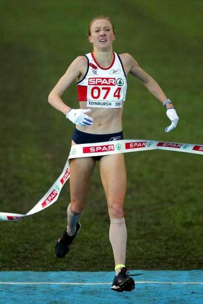 Paula Radcliffe (GBR) wins the 10th European Cross Country Championships (Getty Images)