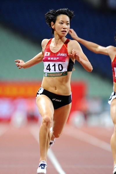Chisato Fukushima takes the 2009 Asian 100m title (Jiro Mochizuki)