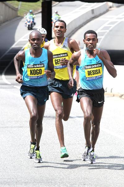 Lelisa Desisa leads from Micah Kogo and Gebre Gebremariam in the 2013 Boston Marathon (Victah Sailor)