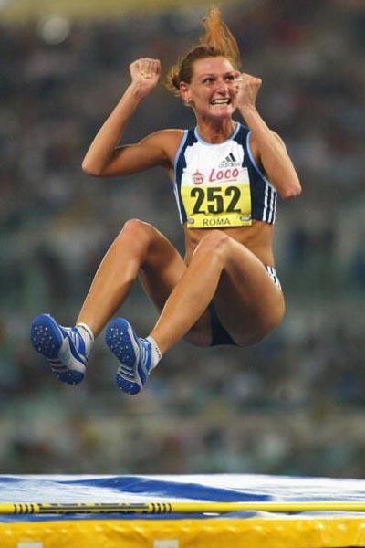 Hestrie Cloete of South Africa wins the High Jump in Rome Golden League meeting (Getty Images)