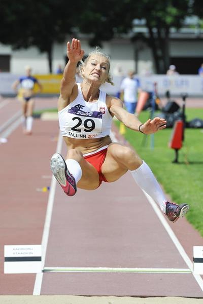 Karolina Tyminska en route to winning at the 2013 European Cup Combined Events Super League (Marko Mumm / EKJL)