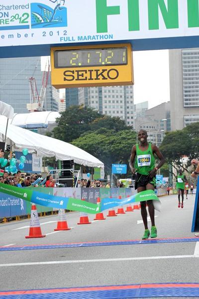 Kennedy Kiptoo Lilan winning in Singapore (Singapore Sports Council)