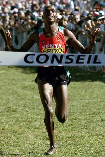 Augustine Choge of Kenya wins the Junior men's race (Getty Images)