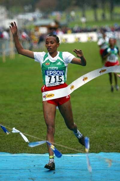 Meselech Melkamu (ETH) wins the junior women's race (Getty Images)
