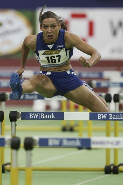 7.87 PB - and victory - for Lolo Jones in Karlsruhe (Bongarts)
