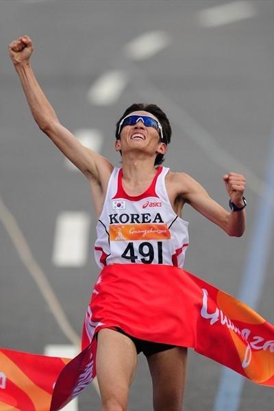 Ji Young-Jun takes a big Marathon victory at the Asian Games (Getty Images)