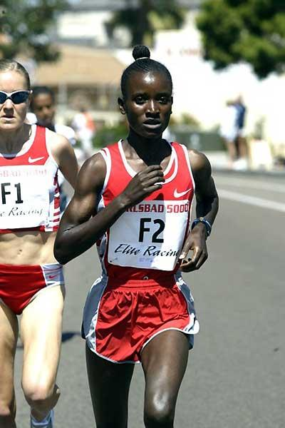 Kenya's Isabella Ochichi running in the Carlsbad 5km (14:53). (Victah Sailer)